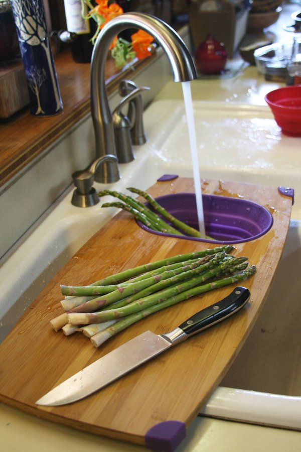 over the sink cutting board kitchen hack